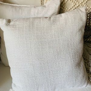 Other - 🐚🐚Throw pillow🐚🐚